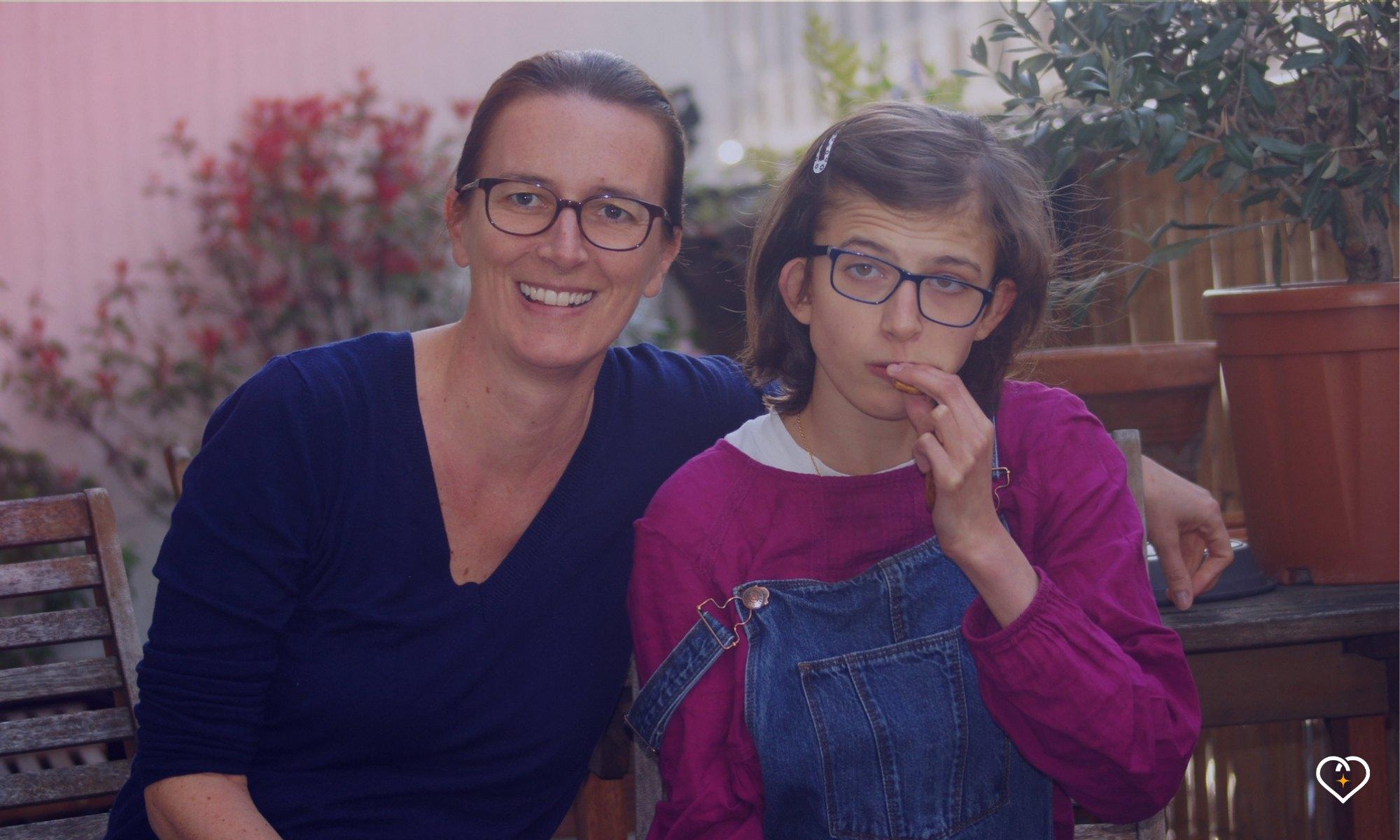 Zoé, illustratrice et blogueuse, mère de Rose, ado polyhandicapée.